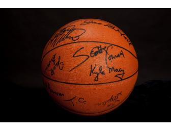 1978 Kentucky ball autographed by team and Joe B. Hall coach National champs.