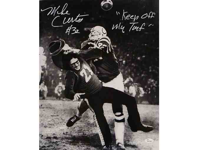 Signed Mike Curtis Picture - 16x20 BW Tackle W - JSA Certified