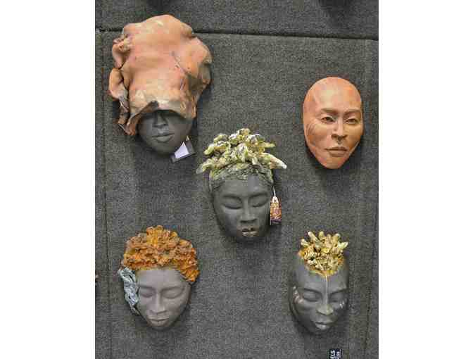 Congo Masks: Masterpieces from Central Africa - Photo 1
