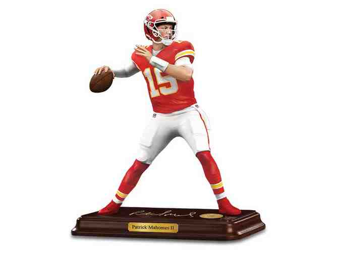 Patrick Mahomes II Sculpture - Photo 1