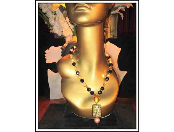 *A TOUCH OF GOLDEN: 1/KIND GEMSTONE NECKLACE!