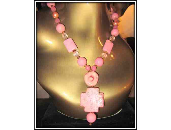 *A LOVE OF PINK: 1/KIND GENUINE GEMSTONE NECKLACE!