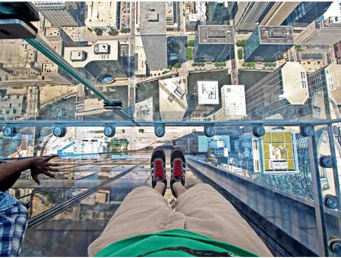 Skydeck Chicago Experience