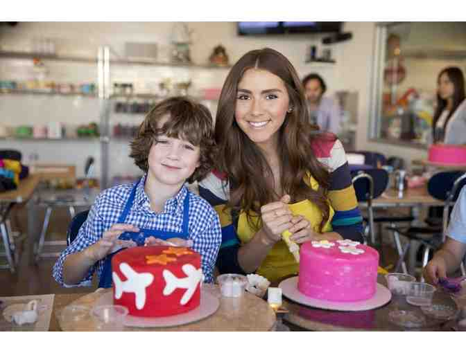 Duff's Cakemix Pasadena - Decorating Experience for Two