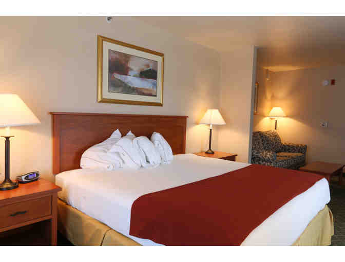 Grass Valley, CA - Gold Miners Inn - 1 night in King Executive Suite, breakfast, reception