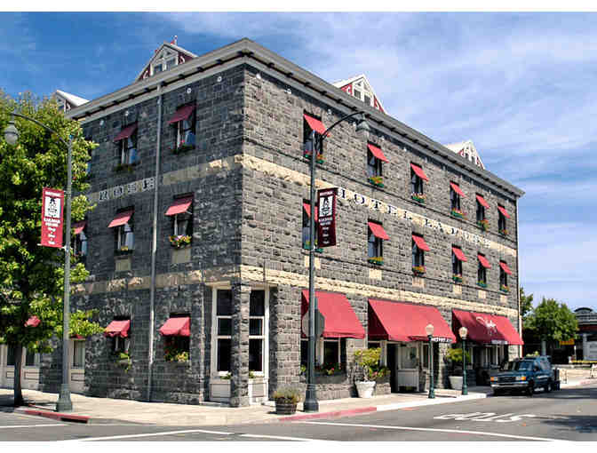 Santa Rosa, CA - Hotel La Rose - 2 nt in a king room & Grossmans Deli Togo Breakfast for 2