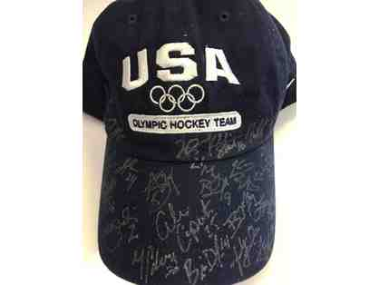 2014 US Olympic Womens' Hockey Team Signed USA Olympic Hockey Team Hat