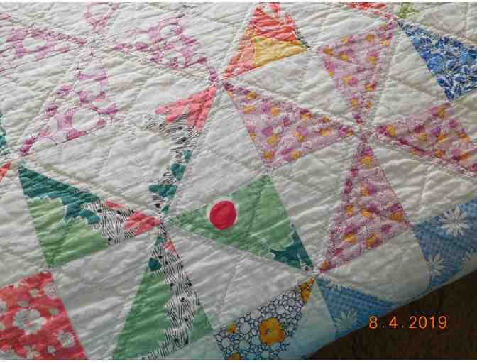 1930's Hand-Sewn Quilt - Photo 3
