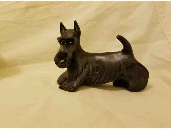 Miniature sculpture of Black Scottish Terrier