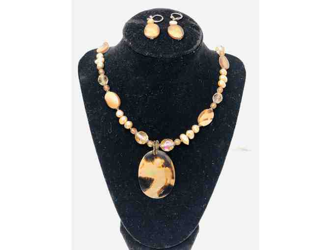 Freshwater Pearl and Alabaster Necklace and Earring Set