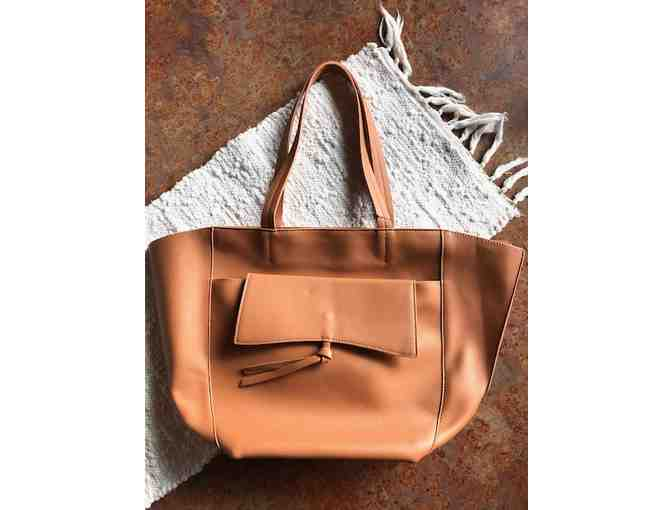Sophisticated Anthropologie Travelers Tote with tuck inside crossbody/pouch - Photo 2