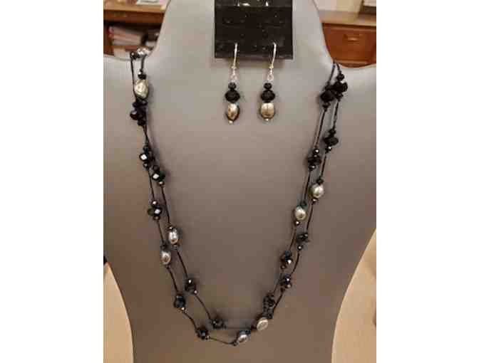 Sassy Queen Black Fresh Water Pearl and Crystal Necklace/Earring Set