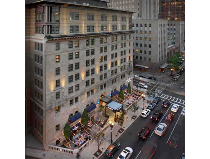 1 Night Stay and Breakfast for 2 at the Loews Boston Hotel - Photo 2