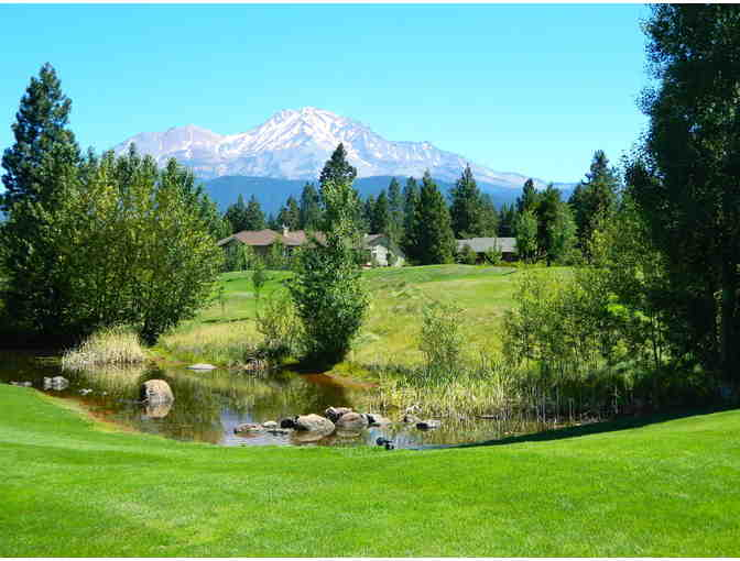 Two Nights, One Bedroom Chalet with Golf for 2, Mount Shasta Resort, Mt. Shasta - Photo 2