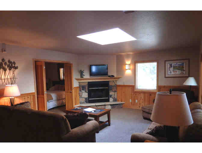 Two Nights, One Bedroom Chalet with Golf for 2, Mount Shasta Resort, Mt. Shasta - Photo 3
