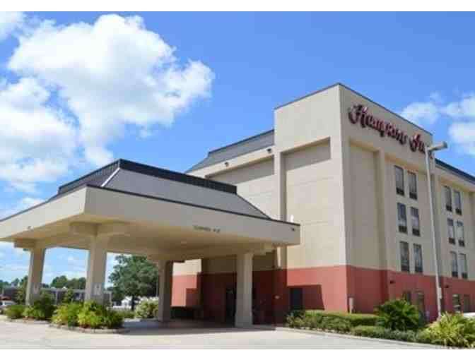 2 Certificates for a 1 Night Stay at the Hampton Inn in Houston, TX - Photo 1