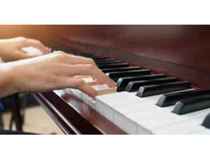 4 piano lessons + free introductory session for teen or adult