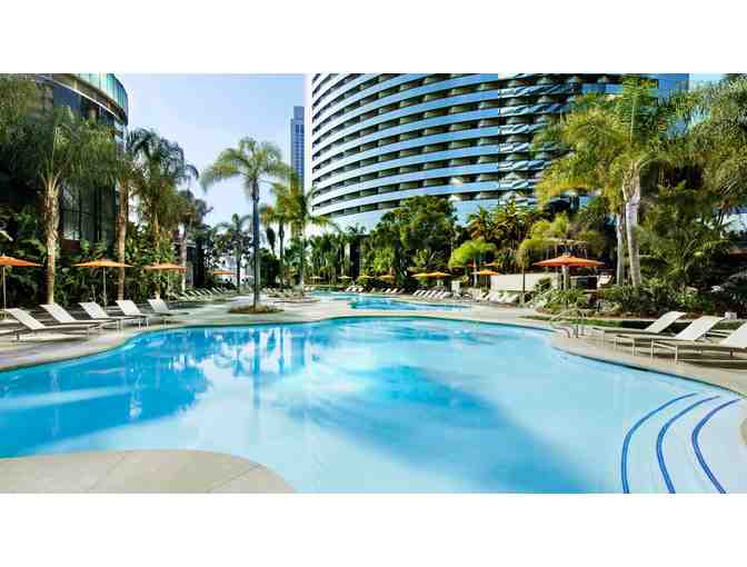 Marriott Marquis San Diego Marina- 2 nights w/breakfast for 2 and parking