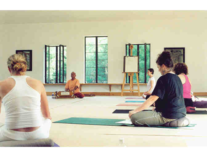 Esther Myers Yoga Studio: Retreat at Swallow's Bridge, Ontario
