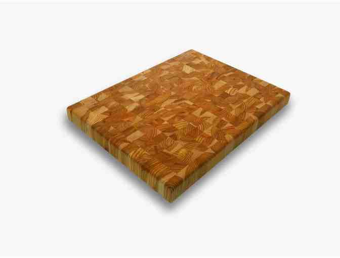 Larch Wood Inc.: The 'Medium Random' Cutting Board