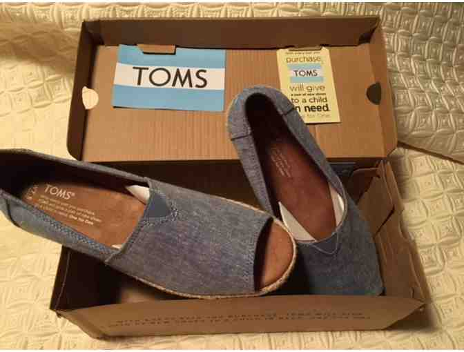 TOMS for your Tootsies