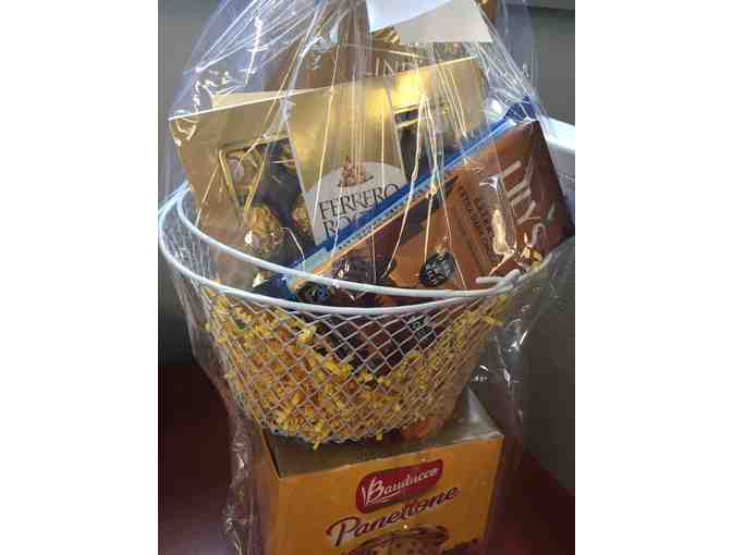 Dessert Lovers Gift Basket - Photo 1
