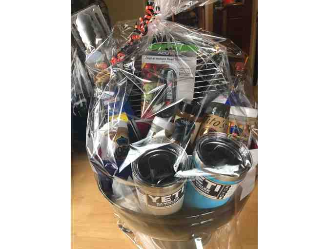 Texas  Basket; Grill, BBQ tools, meat thermometer, BBQ Sauce , Seasoning, Dry Rub, Tumbler