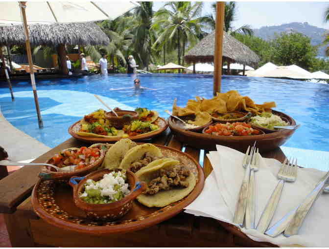 Luxury 3BR Beachfront Villa - Zihuatanejo