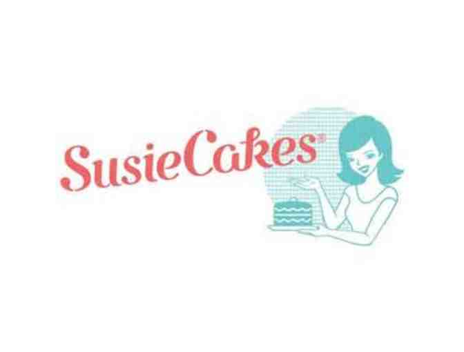 SusieCakes - 6' Specialty Layer Cake with Inscription
