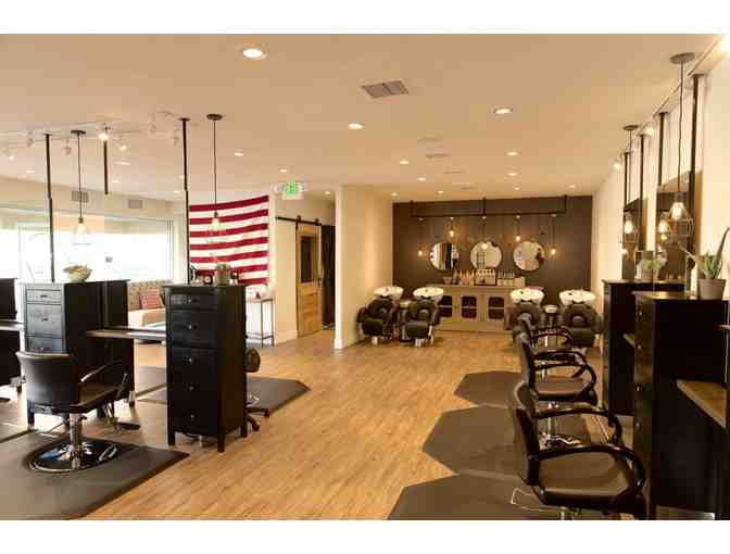 Uncaged Salon and Spa - Lux  Manicure with Erin