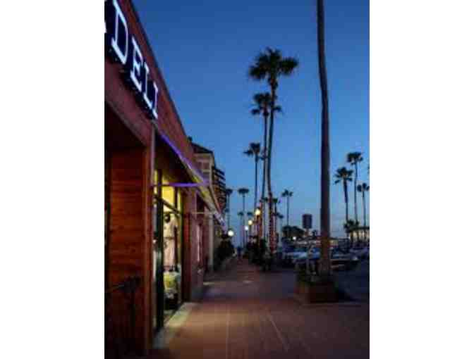 Newport Beach Peninsula Restaurant Experience by The Lounge Group