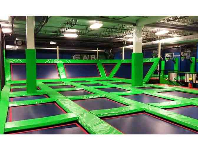 10 Pack of 1 Hour Jump Passes to Rebounderz - Photo 2