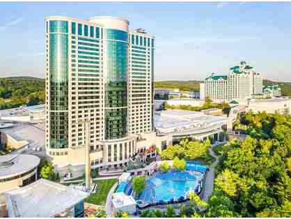 1 Night Stay (Sun-Thu) in a Deluxe Room with Dinner at Foxwoods Resort Casino