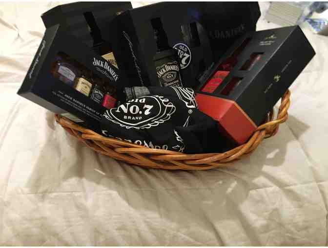 JACK DANIELS  BASKET SET