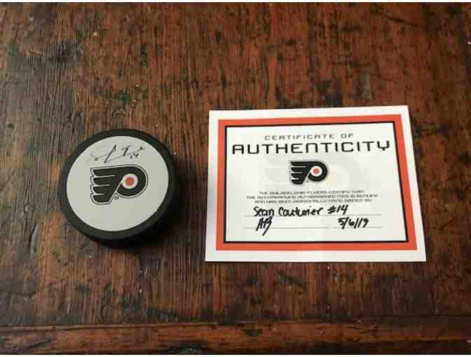 Sean Couturier Signed Puck & Certificate of Authenticity - Philadelphia Flyers