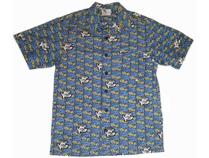 Love fish? Then you will love this IQ-Company shirt with its fanciful fish! - Photo 1