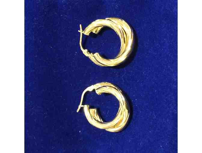 18 Yellow Gold Italian made hoop earring