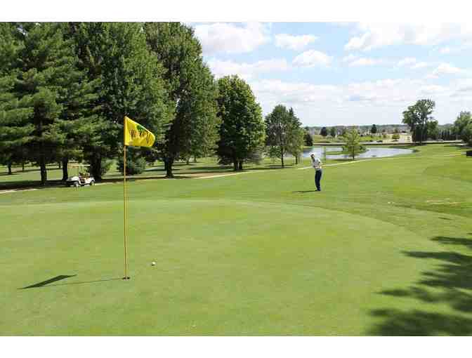Free Foursome at Maple Hill Golf