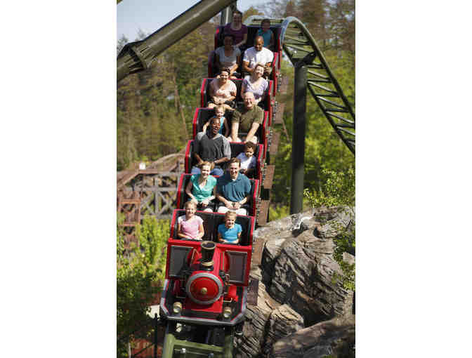 2 one-day passes to DOLLYWOOD