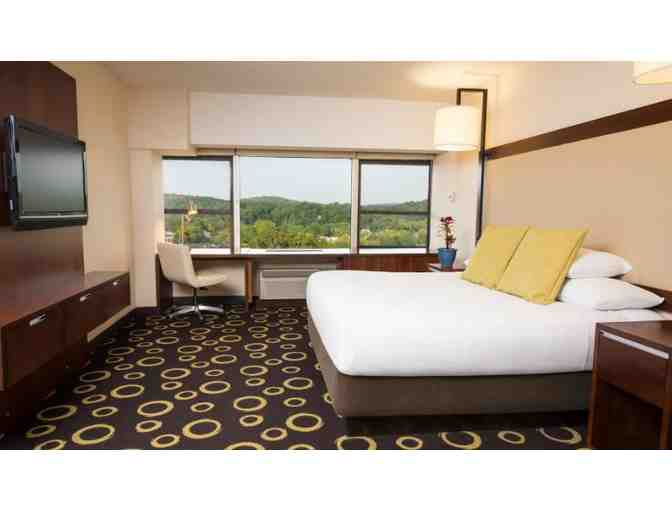 1 Night Stay at Hyatt Regency Morristown with Lunch, Dinner, & $50 to Glassworks Studio - Photo 3
