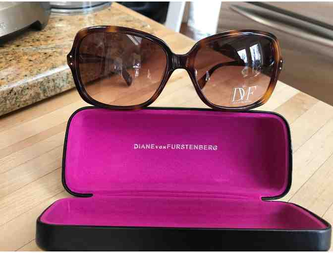 Diane von Furstenberg Sunglasses - Photo 1