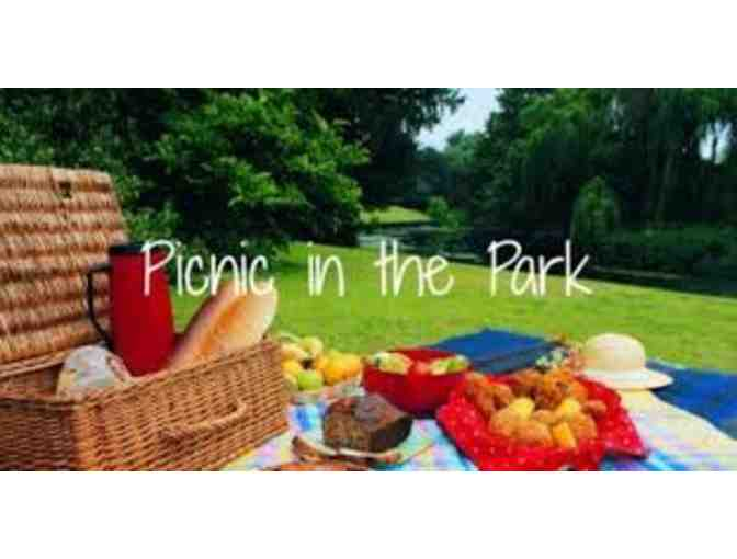 Kindergarten - Picnic in the Park with Ms. Jordan and Mrs. Warren