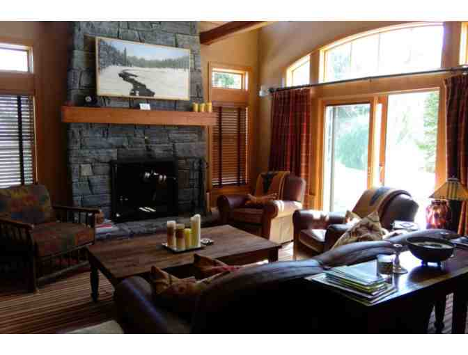 Relaxing Vermont Weekend - Luxury 5 bedroom vacation home with hot tub!