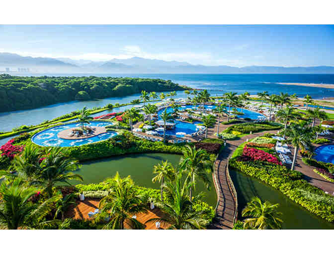 Nuevo Vallarta Grand Luxxe 5 Star Resort Two Bedroom Suite   10/25/19 to 11/1/19