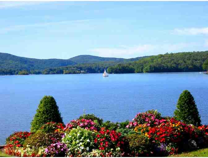 Weekend on Candlewood Lake