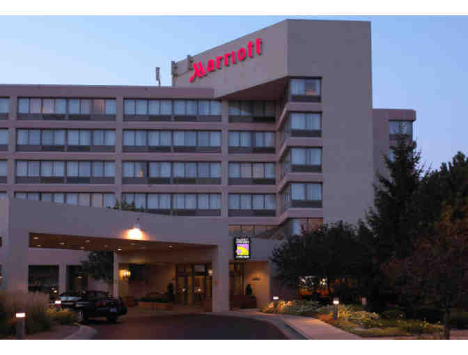 Weekend Night Stay at Detroit Marriott Livonia & Breakfast for Two