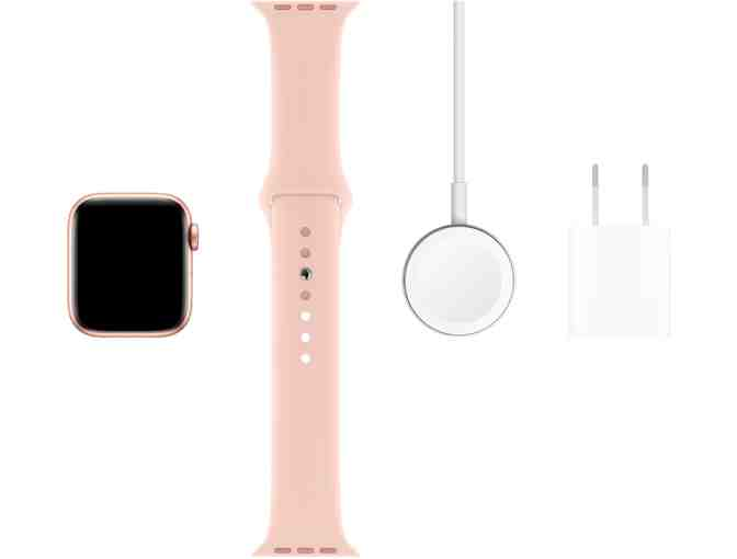 Apple Watch Series 5 in Gold
