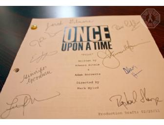 Authentic Autographed ONCE UPON A TIME Script: 'Pilot' (signed by entire cast)