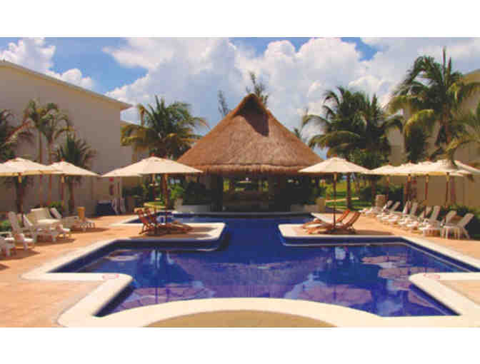 5 days/ 4 nights hotel accommodations in Cancun, Mexico - Photo 1