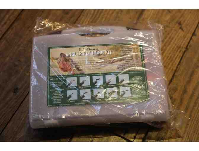 LL Bean Angler Fly Tying Kit